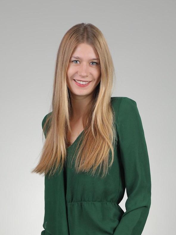 Ms Julia Koch